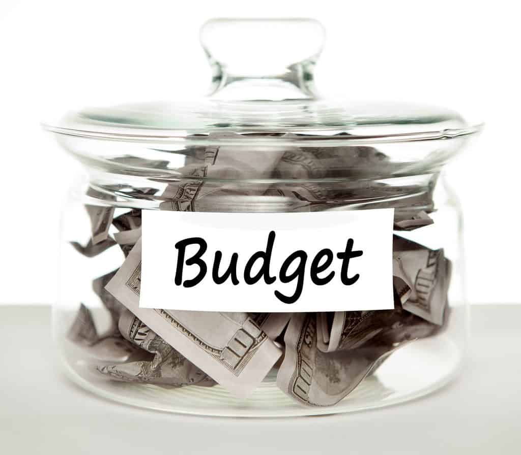 How to Minimize Small Business Expenses this Summer Budget_Savings