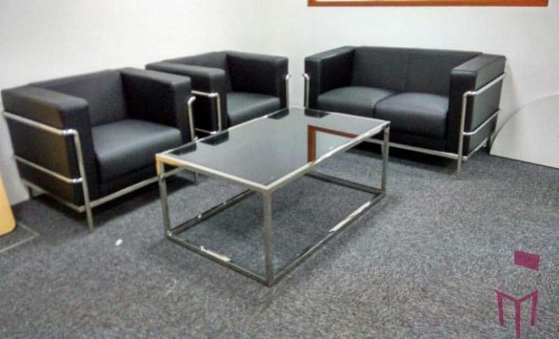 Office design tips - Makeshift office furniture