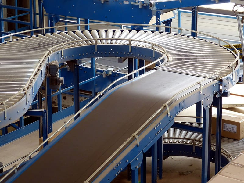 conveyor belt factory industrial hall logistics
