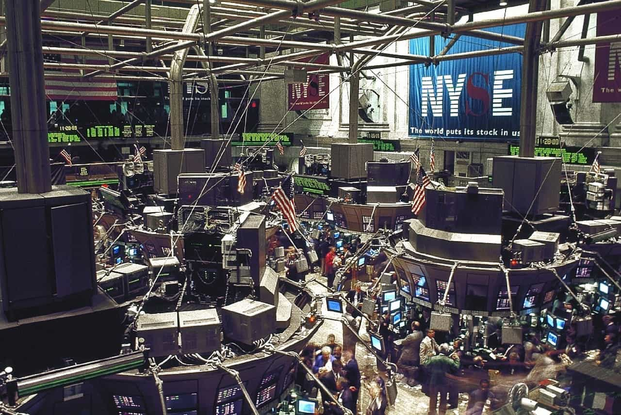 Stock traders NYSE stock exchange