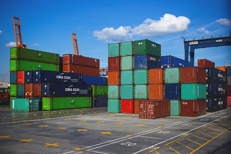 International shipping – business cargo containers