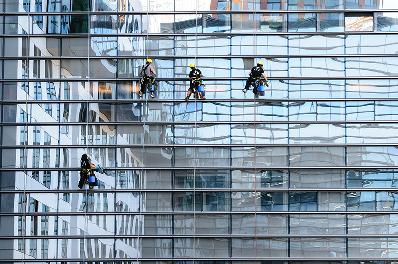 Glass facade window cleaner