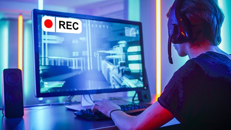 Man using screen recorder while playing online games