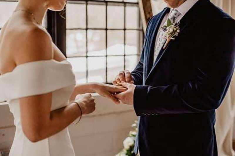 Couple in a wedding ceremony